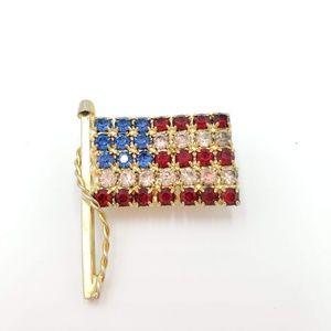 Jewelry - Vintage rhinestone American Flag Brooch